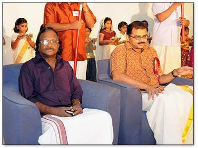Sreekumaran-Tampi-Moideen-Nekkaraj-Kera-Onam-Celebration