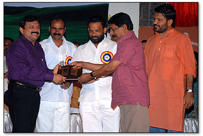 albert-alex-sruti-malayali-excellence-award
